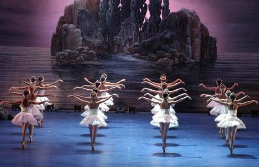 balletto-il-lago-dei-cigni-08_1