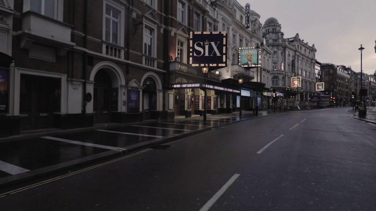 Il video degli artisti del West End che ballano davanti ai teatri chiusi per salvare le arti