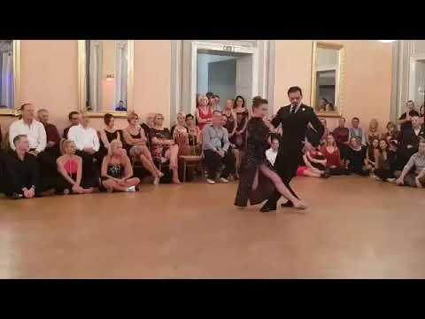 Tango – L'esilio di Vittoria Franchina e Edwin Olarte